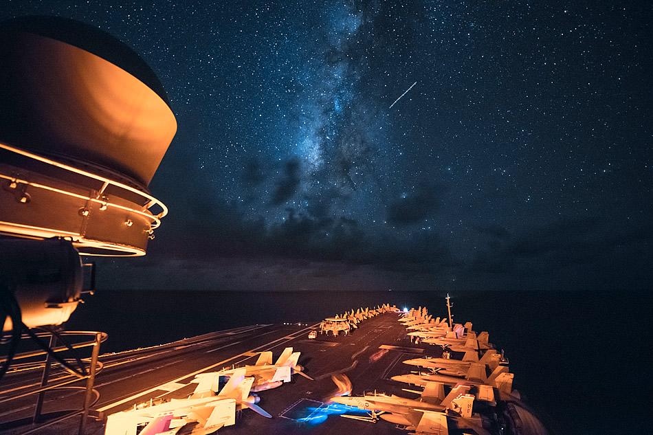USS-Ronald-Reagan-milky-way-07-2016