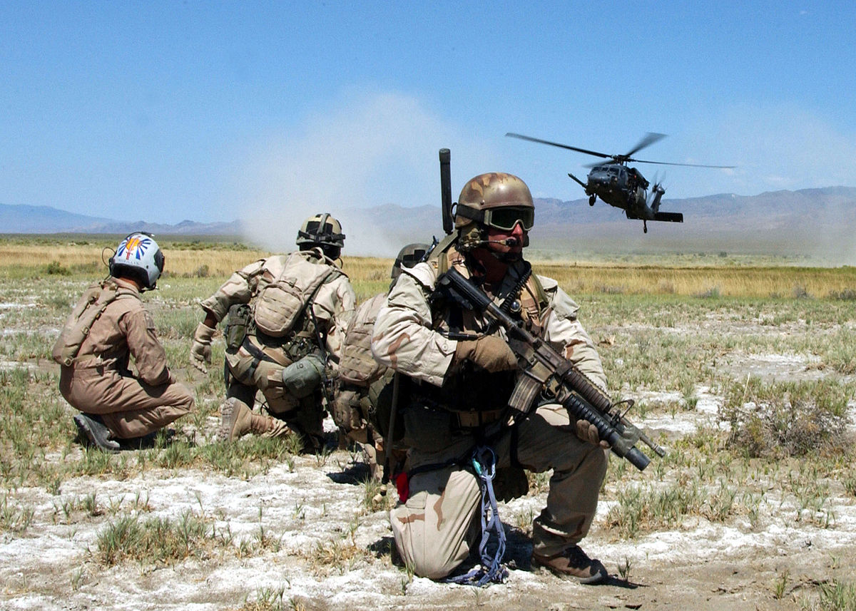1200px-pararescue-training_exercise